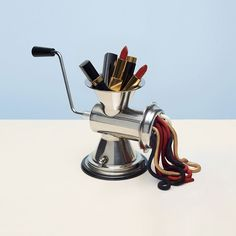 <p>French still life photographer, Benjamin Henon employs meticulous methods to stage distorted daily objects. He excels in bringing out the beauty of luxury items like drinks, fragrances, jewelry and