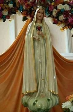 Mary Jesus Mother, Blessed Mother Mary, Mary And Jesus, Aurora Sleeping Beauty, Sari, Victorian, Disney Princess, Dresses, Fashion
