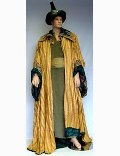 The Wise Man from the Biblical Three Wise Men consists of a green velvet tunic, gold & green cloak, black & green turban & gold waist sash. Christmas Nativity, Christmas Diy, Wise Man Costume, Easter Play, Nativity Costumes, Men's Robes, Three Wise Men, Reyes, Green Velvet