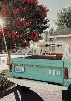 xoxo Great Tagged with aesthetic art car cute mint nature photography retro summer vintage Wallpapers Verdes, My Dream Car, Dream Cars, Jeep Camping, Car Goals, Cute Cars, Fancy Cars, Ford Bronco, Jeep Life