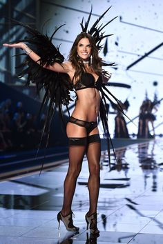 Fitspiration: Alessandra Ambrosio Victoria's Secret Fashion Show 2014