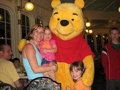 Specialty Dining At Disney World ~ Tips On Character Dining & Dinner Shows Disney World Tips And Tricks, Disney Tips, Disney Parks, Disney Bound, Walt Disney, Disney World Florida, Disney World Vacation, Disney Vacations, Dining At Disney World