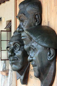Kruger National Park founders statue by Kleinz1, via Flickr