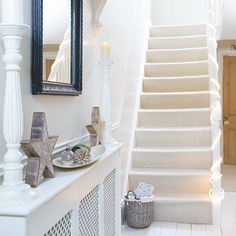 If you're planning a new hallway, we have the look for you. From traditional hallways to country style hallways and sleek modern entrance halls, you'll find your dream scheme in a flash. 25 Beautiful Homes, Beautiful Living Rooms, Hallway Decorating, Decorating Your Home, Decorating Ideas, Christmas Hallway, Christmas Lights, Christmas Ideas, Christmas Decorations