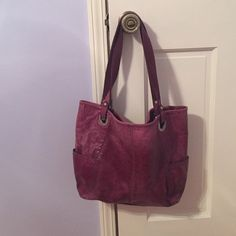 EUC  FOSSIL PURSE ‼️‼️ALL FUNDS GOING TOWARDS A MISSION TRIP TO GERMANY I AM TAKING IN JUNE 2016 ‼️‼️gently used but in fabulous condition - red/maroon Fossil purse!! so beautiful! Fossil Bags Shoulder Bags