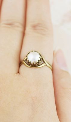 Style Pearl ring from EarringsNation Vintage Style Wedding Pearl Ring Design, Gold Ring Designs, Gold Jewellery Design, Jewellery Box, Pearl Jewelry, Gold Jewelry, Wedding Jewelry, Jewelery, Gold Pearl Ring
