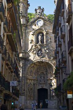 Things to do in San Sebastian - Historic building on the street of San Sebastian  #spain #travel #europe #sansebastian #beach