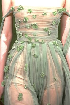 this is beautiful and idk where I'd wear it but I want it gah Dc Poison Ivy, Runway Fashion, High Fashion, Eleanor, Dress Up, Shirt Dress, Gotham City, Queen, Fashion Details