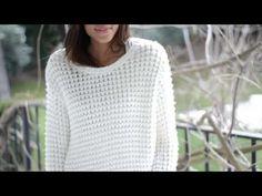 Jerseys XXL: La Comodidad hecha Estilo - YouTube Sweaters For Women, Youtube, Knitting, Videos, Fashion, Crochet Batwing Tops, Craft Ideas, Tricot, Crochet Shawl