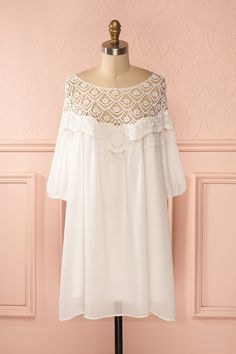 Lymari - White crochet lace neckline loose tunic