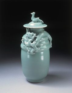 Funerary jar      Place of origin:      Zhejiang, China (made)     Date:      1127-1279 (made)     Materials and Techniques:      Stoneware with celadon glaze     Credit Line:      Purchased with the assistance of The Art Fund, the Vallentin Bequest, Sir Percival David and the Universities China Committee