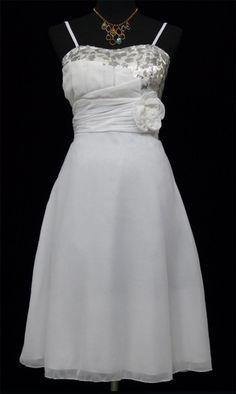 5c262ef9d166 Πανέμορφο Εφηβικό - Γυναικείο Φόρεμα για Περίσταση - σε Λευκό σε Νουμερο  EU40