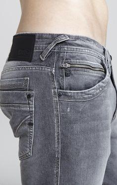 DTA Disritmia calça jeans urban fit reta zíper bolso relógio