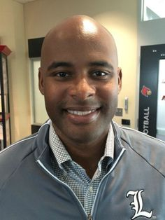U of L officially hires new DBs coach #GreenBayPackers... #GreenBayPackers: U of L officially hires new DBs coach… #GreenBayPackers