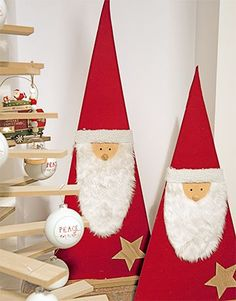 Santa Claus is coming to town - Santa Claus Christmas Crafts To Sell Make Money, Wooden Christmas Crafts, Wooden Christmas Decorations, Christmas Tree Art, Christmas Ornament Crafts, Christmas Centerpieces, Holiday Crafts, Christmas Holidays, Projects