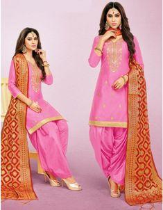 Cherry Pink Patiala Kameez with Banarasi Dupatta Designer Punjabi Suits Patiala, Patiala Salwar Suits, Suit Fashion, Girl Fashion, Fashion Dresses, Designer Suits Online, Afghan Clothes, Indian Ethnic Wear, Indian Style