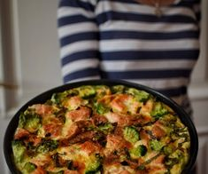 Fritatta s lososem a brokolicí Sprouts, Curry, Health Fitness, Low Carb, Meat, Chicken, Vegetables, Ethnic Recipes, Curries