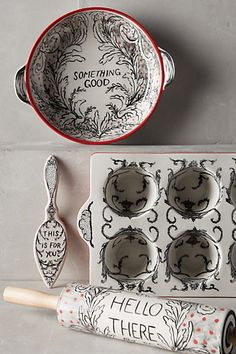 Feeling lonely cooking holiday goodies? Bakeware that talks to you! #anthroRegistry Crowned Leaf Bakeware - anthropologie.com