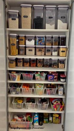 Ideas for kitchen storage organization pantry organisation projects Kitchen Pantry Design, Kitchen Organization Pantry, Diy Kitchen Storage, Interior Design Kitchen, Pantry Ideas, Organized Pantry, Kitchen Pantries, Organize Small Pantry, Pantry Cupboard