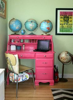 pink and globes!