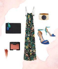 Love this maxi dress + blue heel combo.