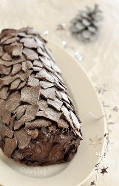 Merhaba, bugün birkaç kez yaptıktan sonra nihayet fotoğraflamayı başardığım çok güzel pasta tarifi vereceğim. Yılbaşı akşamımisafirleriniz için hazırlayabilirsiniz ya da davetliyseniz giderken götürülecek güzel bir hediye de olabilir. Daha önce tarifini verdiğim