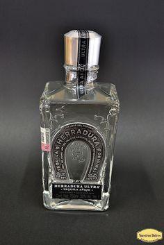 Tequila Herradura en su presentación Herradura Ultra.