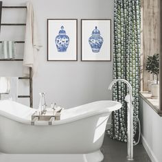 """Michelle Grayson on Instagram: """"Lovely SG ginger jars looking right at home in this cozy corner of the bathroom. . . . . . . . . . #sproutgallery #ilovethishome…"""" White Art, Blue And White, Chanel Art, White Prints, Cozy Corner, Ginger Jars, Clawfoot Bathtub, Bathroom, Gallery"""