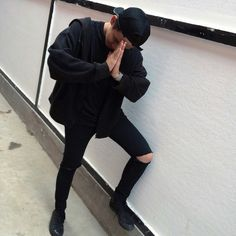 all black outfit boy tumblr grunge aesthetic - Buscar con Google