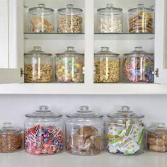 Kitchen Organization Pantry, Pantry Storage, Jar Storage, Organized Pantry, Food Storage Containers, Cereal Storage, Glass Storage Jars, Glass Containers, Kitchen Pantry Design