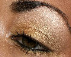 eyeshadow - mac goldmine (middle of lid)