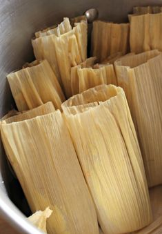 This tamale masa recipe with oil is perfect for making vegan and healthier Mexican tamales. With VIDEO and step-by-step pictures. Masa Recipes, Raw Food Recipes, Soup Recipes, Vegetarian Recipes, Cooking Recipes, Healthy Recipes, Freezer Recipes, Freezer Cooking, Drink Recipes