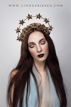 +The Saint+ Halo of Golden Stars and Golden Roses headband by Linda Friesen. Model, photographer, MUA: Linda Friesen Contact me for prices and possibilities on commissioning these pieces. Photo Portrait, Pastel Outfit, Golden Star, Cosplay, Tips Belleza, Tiaras And Crowns, Headgear, Headdress, Costume Design