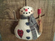 I don't usually do snowmen.  But this guy has such charm.