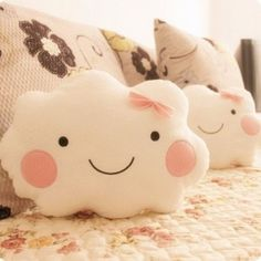 Baby Diy Pillow Sweets Ideas For 2019 Cute Pillows, Diy Pillows, Sofa Cushions, Kawaii Smiley, Sewing Crafts, Sewing Projects, Cloud Pillow, Cloud Cushion, Plush Pillow