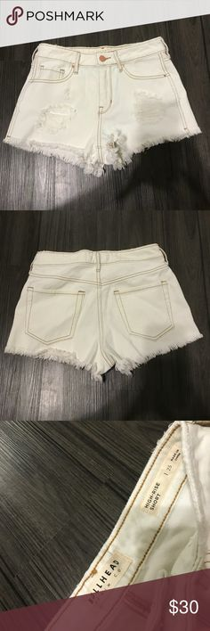 PacSun High Waisted Shorts Size 25, off white with copper toned hardware, dark stitching, high-rise shorts. These shorts are from PacSun and have never been worn! Just tried on and have been sitting in my drawer ever since. PacSun Shorts Jean Shorts