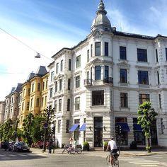 Pene Frogner. Her krysset Colbjørnsens gate/Skovveien, Oslo #frogner #skovveien #colbjørnsensgate #eiendom #realty #realestate #bolig #leilighet #apartment #condo #flat #arkitektur #architecture #beautiful #beautifularchitecture #whereinoslo #diggeroslo #