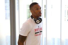 JBL-NBA Beats Headphones, Over Ear Headphones, Nba, Celebrities, Sport, Celebs, Deporte, Sports, Celebrity