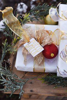 Christmas Present Wrap, Holiday Gift Tags, Personalized Christmas Gifts, Christmas Gift Wrapping, Diy Christmas, Merry Christmas, Christmas Decorations, Elegant Gift Wrapping, Wrapping Ideas