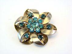 Vintage Gold Tone Rhinestone Flower Pin Brooch