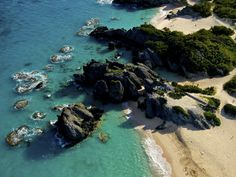 Warwick Long Bay in Bermuda has made it on countless 'best-of' lists including CNN's 100 Best Beaches in the World! Here is a shot from above. #Bermuda