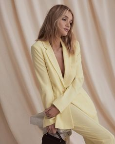 We chatted with the new face of BCBG, Rosie Huntington-Whiteley, to get the scoop on her favorite trends. Look Fashion, High Fashion, Fashion Outfits, Fashion Trends, Fashion Ideas, Fashion Beauty, Winter Fashion, Fashion Tips, Rosie Huntington Whiteley