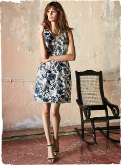 Peruvian Connection | Shadowy blue flowers wash across the porcelain linen ground of this retro-60s dress.