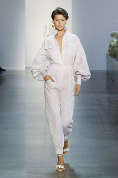 Look 23 new york fashion week fashion zimmerman, australian fas Spring Fashion Trends, Fashion Week, Trendy Fashion, Girl Fashion, Womens Fashion, Fashion Design, Fashion 2018, Ladies Fashion, Fashion Outfits