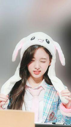 South Korean Girls, Korean Girl Groups, K Pop Idol, Warner Music, Twice Once, Nayeon Twice, Fandom, Twice Kpop, Twice Sana