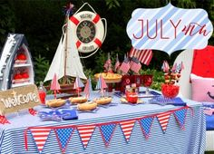 Nautical 4th of July table ideas!