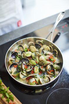 Master Chef, Ratatouille, Cookware, Sprouts, Vegetables, Cooking, Ethnic Recipes, Food, Diy Kitchen Appliances