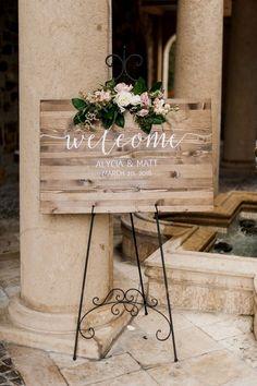 Romantic and elegant rustic wedding decorations - Dekoration Ideen 2019 Plan Your Wedding, Diy Wedding, Wedding Ceremony, Wedding Planning, Dream Wedding, Wedding Day, Wedding Rustic, Elegant Wedding, Wedding Bride