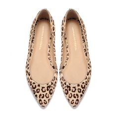 I think I finally want to introduce leopard print into my wardrobe with some cute flats like these.