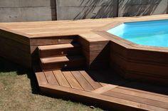 Faire un escalier en bois éclairé pour ma piscine